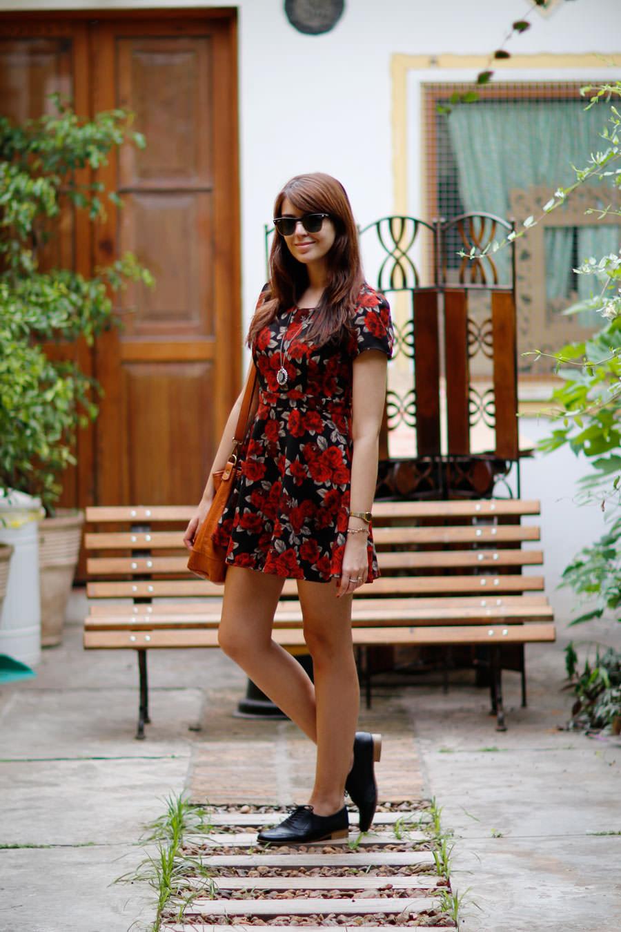 Looks com Sapatos Oxford Feminino - como usar com vestido florido