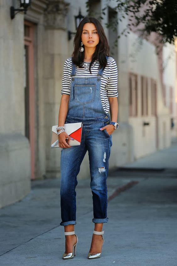 Macacão jeans com salto alto