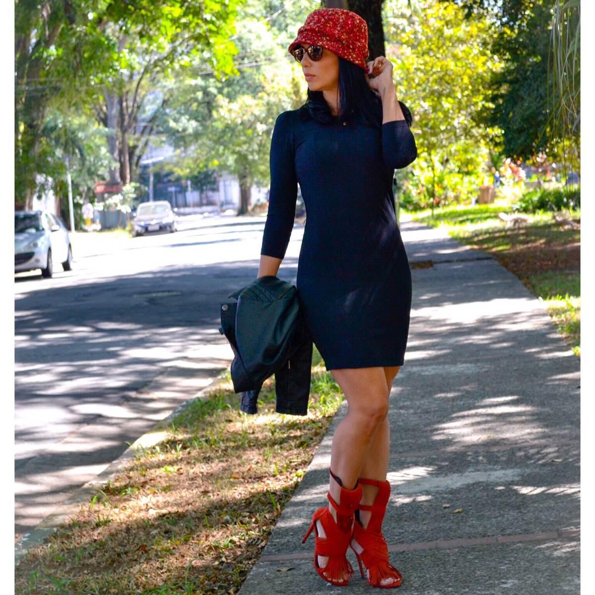 Look do dia com sandália Carrano