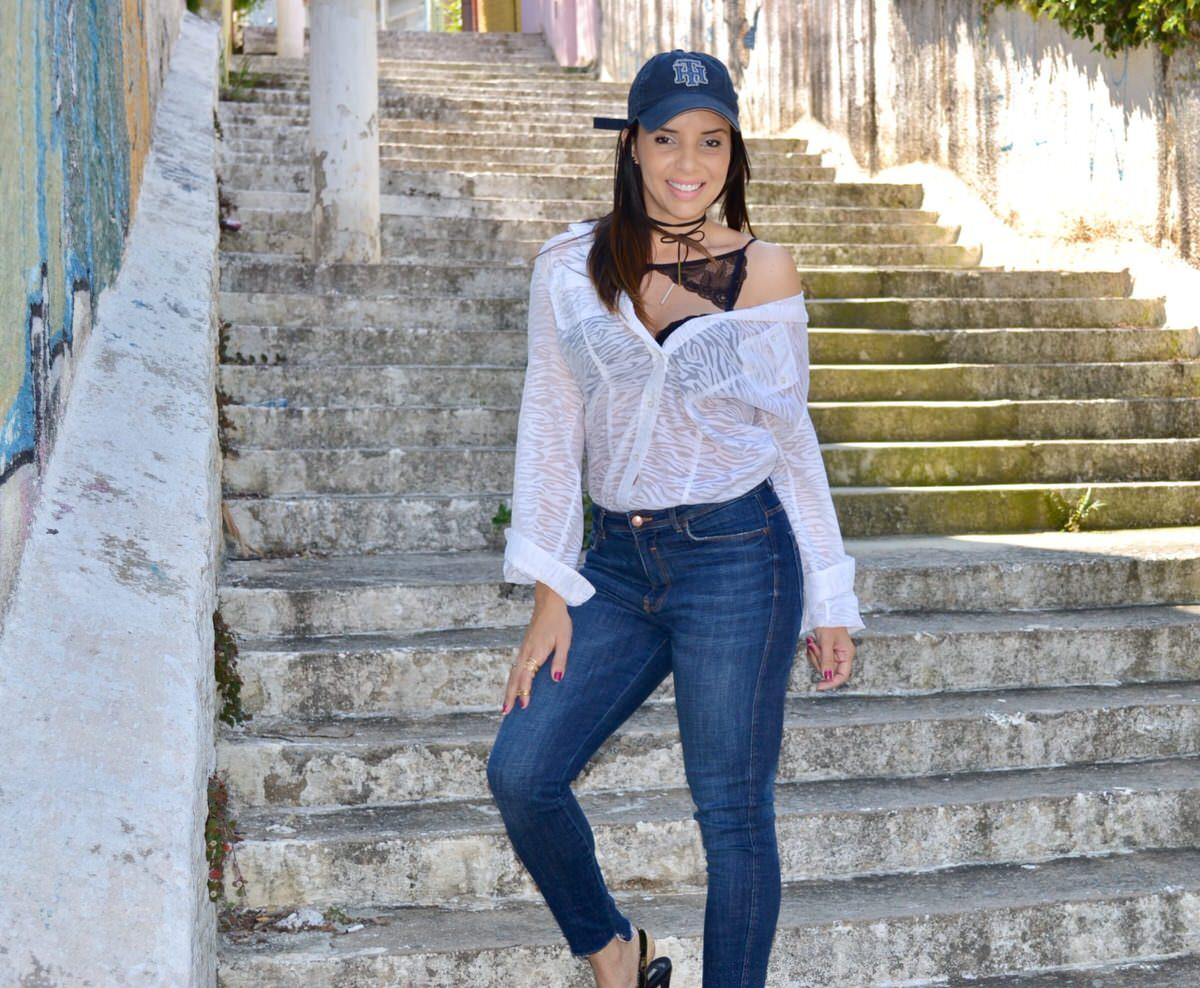 Meia de Seda look com lingerie amostra, modelo top colar rendado.  Personal Stylist Alexandra Evangelista