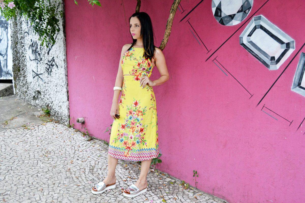 Achadinhos C&A vestido midi floral amarelo, Dress To para C&A. Combinei com flatform metalizada, Alexandra Evangelsita